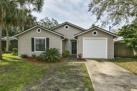 Beautiful Jacksonville Beach Home! - Jacksonville Beach - House