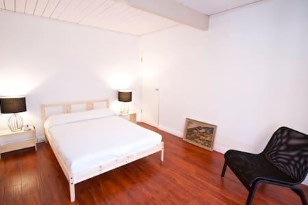 Disney Suite Rooms & Bath - Maison