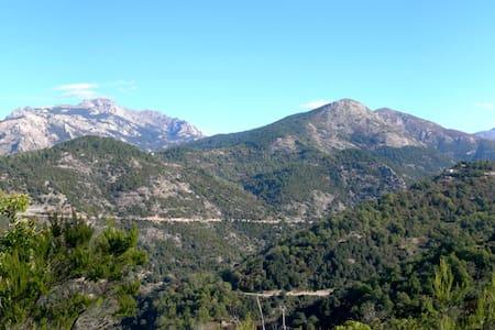 Charmante maison de village en montagne - Marignana