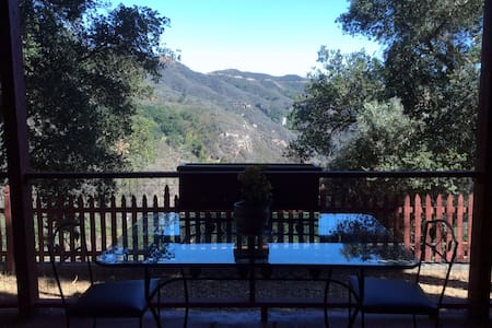 Topanga Retreat, minutes from beach or hiking - Étage entier