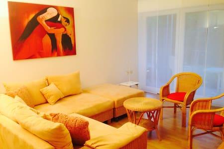 Freundliches Apartment in ruhiger Lage - Apartamento