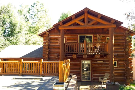 LOG HOME, TUCKED UP AGAINST RED MOUNTAIN, IN TOWN - Glenwood Springs