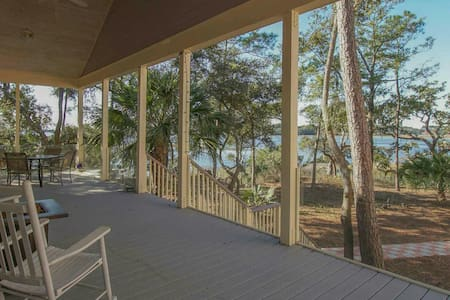 Private Island Cottage - Beaufort - House
