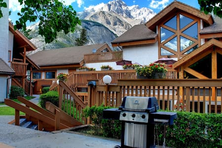 Banff RockyMountain resort 2bedroom 2bath swim/ten - Banff - Wohnung
