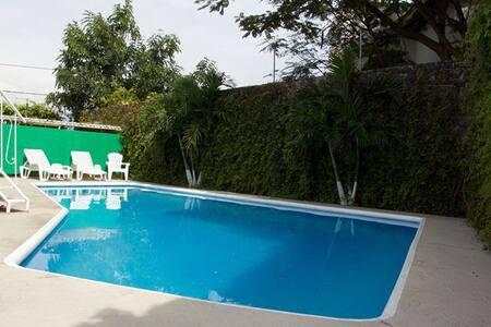Preciosa Casa Burgos Cuernavaca! - House