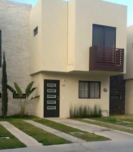 Habitacion Disponible con acceso a Piscina - Zapopan - Haus