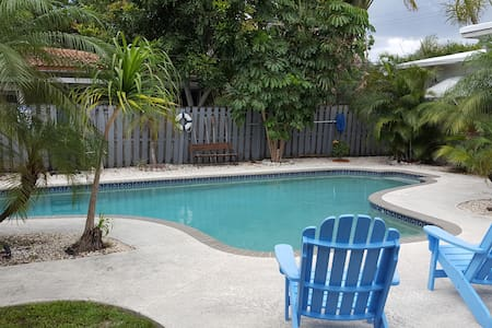 Bimini Breeze Apt.3 - pool- beach - Talo