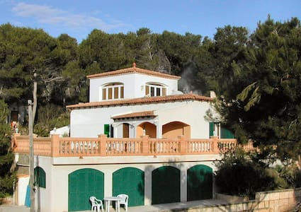C'an Pedro - large detached villa within pine wood - Villa