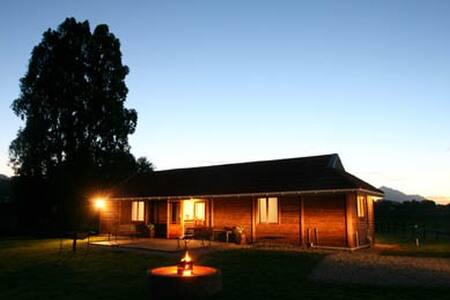 Amanzi Cottage for peace of mind - Bonnievale - Pensione
