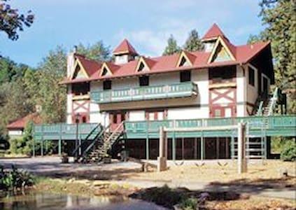 Helen Resort 4/01-4/08 $109/NT - Lägenhet