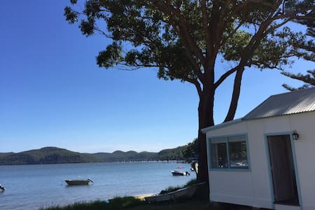 Dangar Island Beach Cabin - Cottage