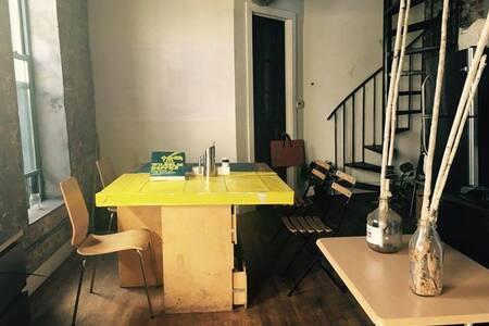 Shared Bedroom in Artsy 4 Br Loft in Bushwick - Brooklyn - Loft