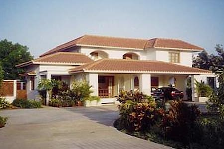 Bungalow with serene outdoor space - Tiruppur - Haus