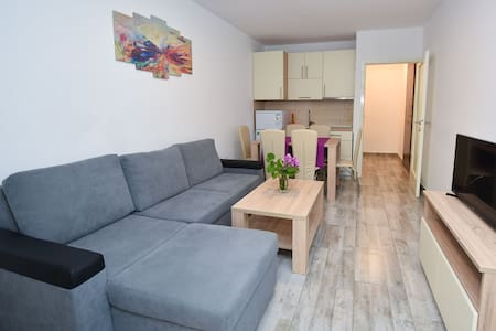 New adapted apartment for 6 near Zrce beach