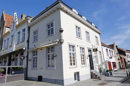 Vakantiehuis Centrum Damme - Damme - Townhouse