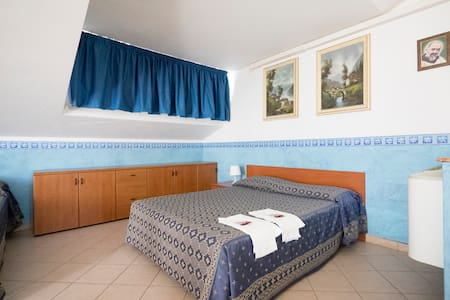 Four-Bed Room - San Giovanni Rotondo - Bed & Breakfast