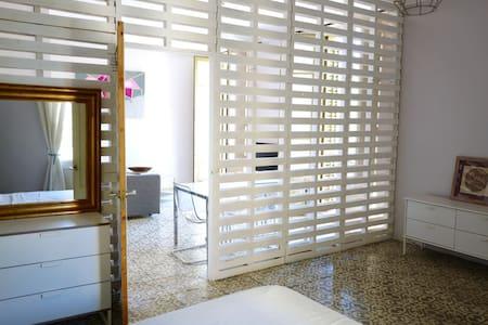 Large sunny Room LOFT style! - Flat