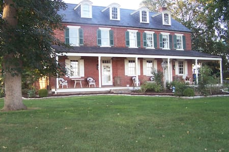 Buttonwood Ridge Farm BNB Retreat Suite - Marietta - Bed & Breakfast