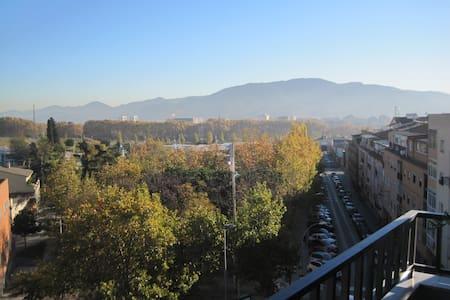 Habitación cerca de Barcelona. - Ripollet
