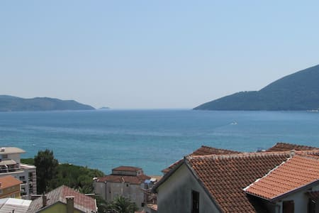Spacious room for 2 world class travelers - Igalo, Herceg Novi - Casa