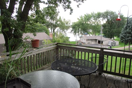 Ryder Cup! Lower level of home with 2 BR, kitchen - Mound - Haus