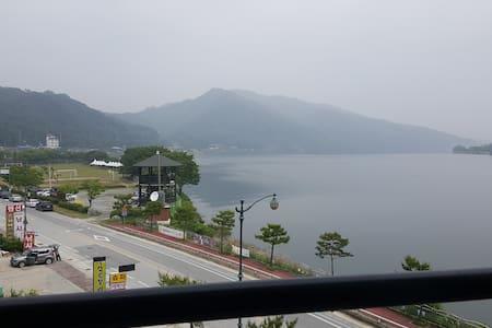 충주 탄금호반에서 조용한 힐링을***** - Chungju-si