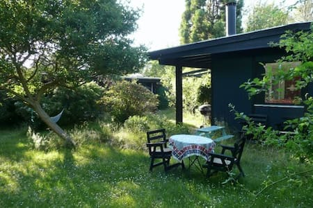 Charming house in secluded garden in Tisvilde - Cabanya