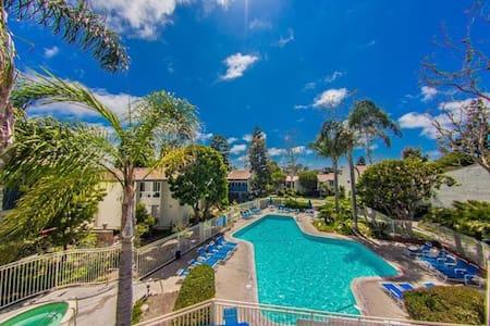 Luxury Condo near Pier, bars/shops - Redondo Beach - Kondominium