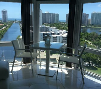Sea,Shopping,Horses and 180*View - Miami