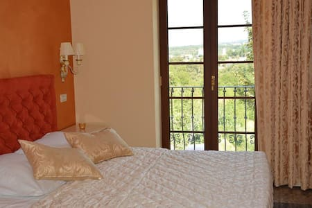 Stella - elegant room in Buje - Apartament