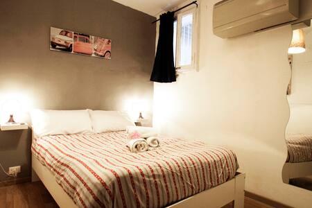 CAMPO DE FIORI  PRIVATE ROOM WITH PRIVATE BATHROOM - Other