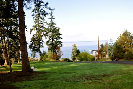 Puget Sound view, pets welcome - Wohnung