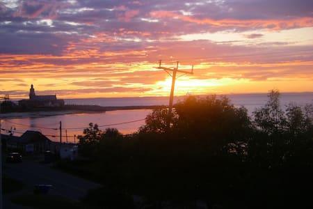 condo face  a la mer endroit paradiaque, - Sainte-Luce