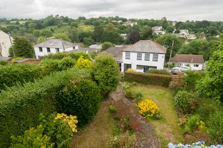 LAMORNA  self catering holiday home - House