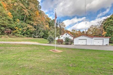 3BR Hegins Clover Cottage, On Over 4 Acres! - Hegins