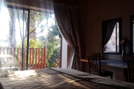 'Carlow suite' can sleep 4 guests. Self catering, - Sabie - Apartment