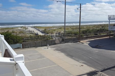 Almost Beachfront in Sea Isle - Casa