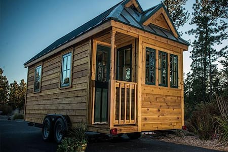 Rustic Tiny House Outside Historic Lampasas, Texas - Zomerhuis/Cottage