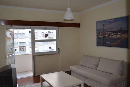 Ótimo apartamento em Benfica - Lisboa - Apartment