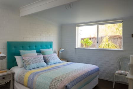 Dunsborough Accommodation with Spa - Apartment