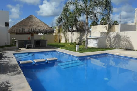 Private room : Ideal for travellers and explorers - Playa del Carmen - House