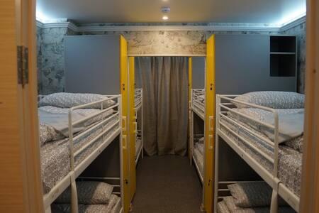 Хостел Обской. Спальное место 4 - Dormitorio