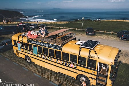 The adventure hostel on wheels: The Nomads Bus - Tux - Szoba reggelivel