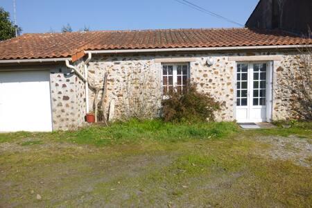 Petite longere de campagne - Saint-Père-en-Retz - House