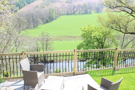 Riverside Cottage 3 miles from Llangollen - Apartment