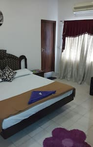 bedrooms,flats near to charminar - Hyderabad - Apartment