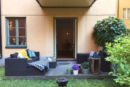 Charming apartment with terrace, perfect location! - Stockholm - Apartment