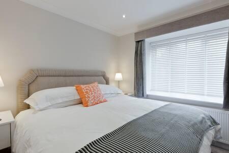 JH2, Superior refurbished 1 bed luxury Bray apt. - Bray