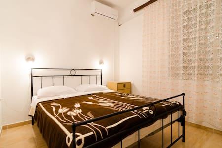 Double room BB in beautiful Pomena - Annat