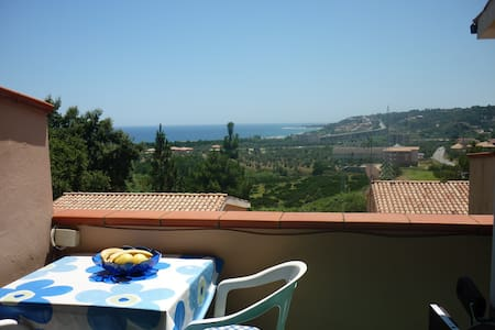 The Calabrian Sun Awaits You - Montepaone Lido - Maison